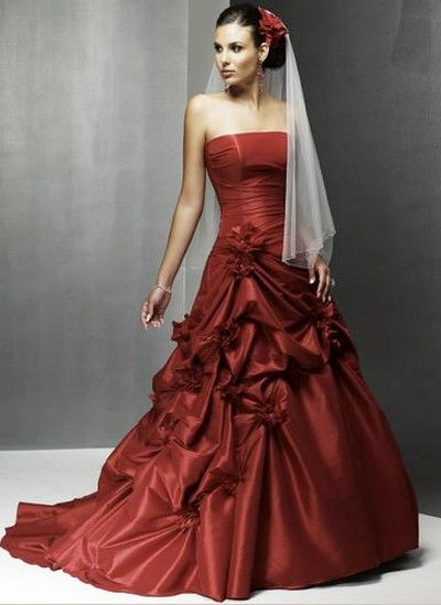 dark red Spanish wedding dress.. if I ever get married again ...