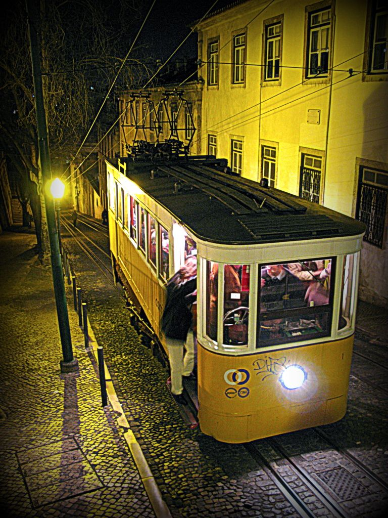 Lisbon Carris Gloria Funicular By Night By Photo Proyectolabs Train Tracks Light Rail Lisbon