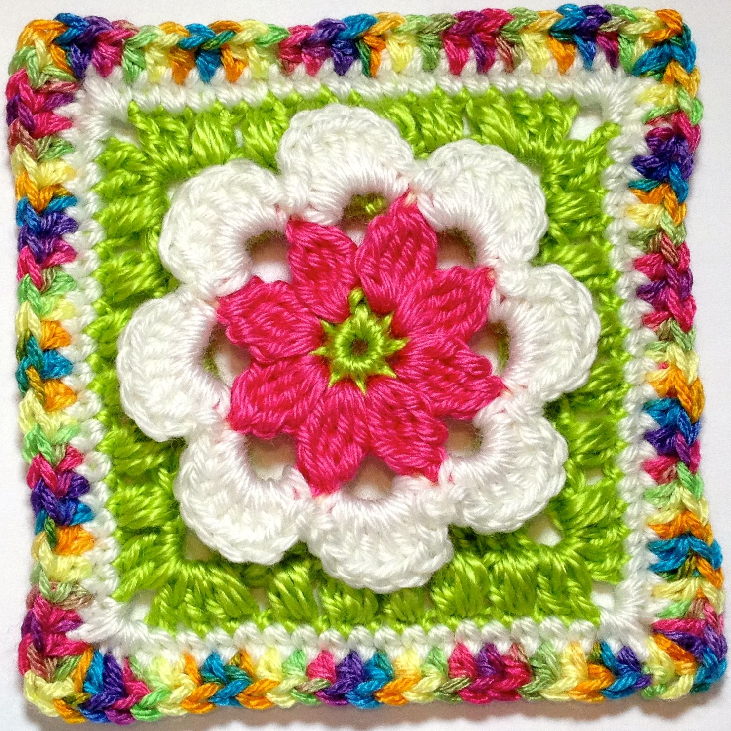Hooked on granny squares free crochet pattern gancho - Cuadrados de ganchillo granny squares ...