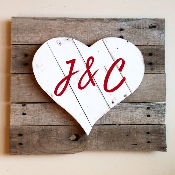 This Is The Perfect Gift For Her Wooden Heart Sign With Personalized Message By Redbearrustics Fotos