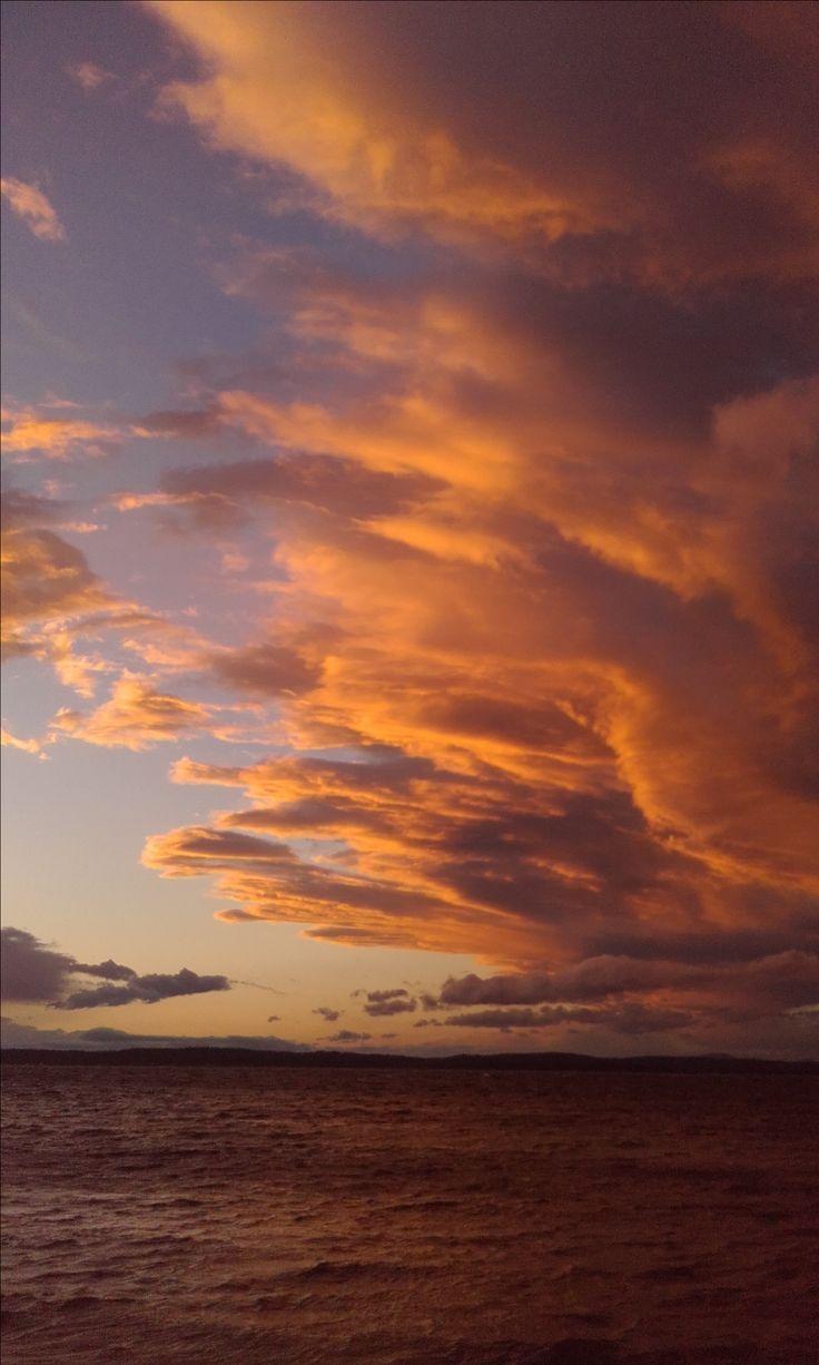 Golden Hour Sea Sunset Goldenhour Photography Sky Aesthetic Pretty Sky Golden Hour Photography Wallpaper hills sunset sky sea golden
