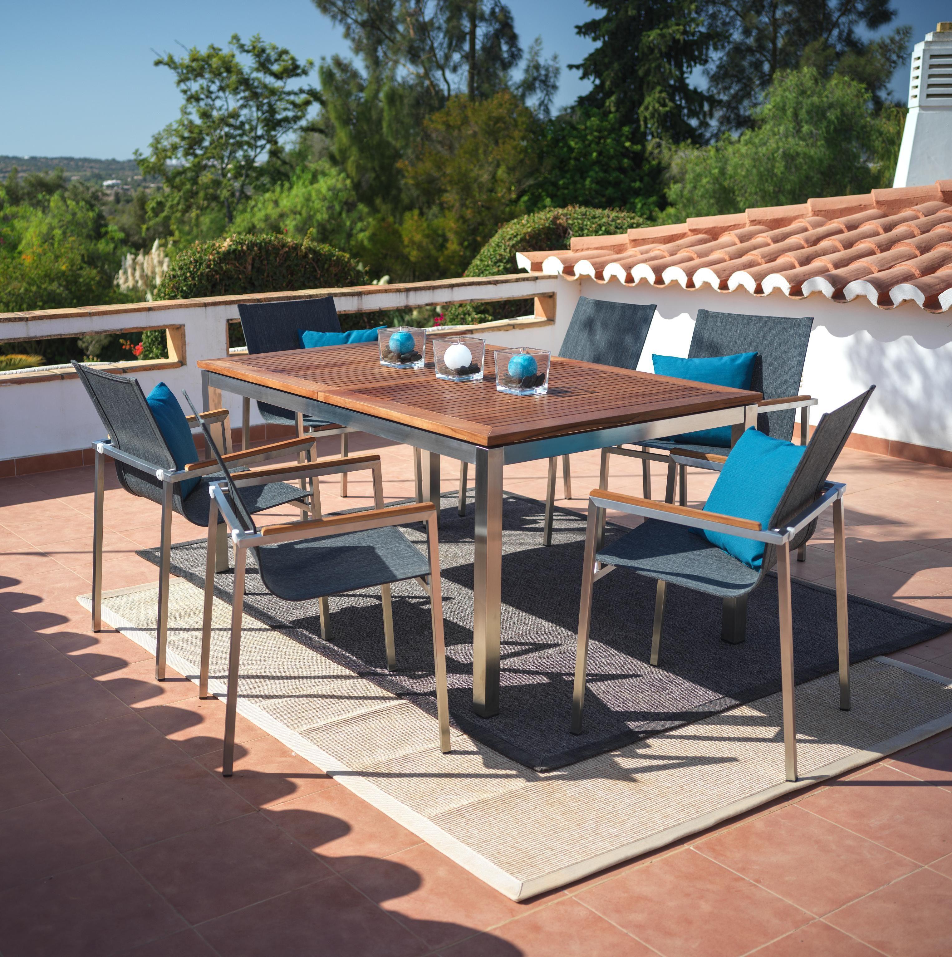 Moderne Sitzgruppe Aus Metall Und Holz Elegante Gartenmobel Gartenmobel Mobel Balkonmobel