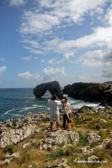 Playa de la Huelga Llanes. Playas Asturias. [Más info] http://www.desdeasturias.com/playa-de-la-huelga-llanes/