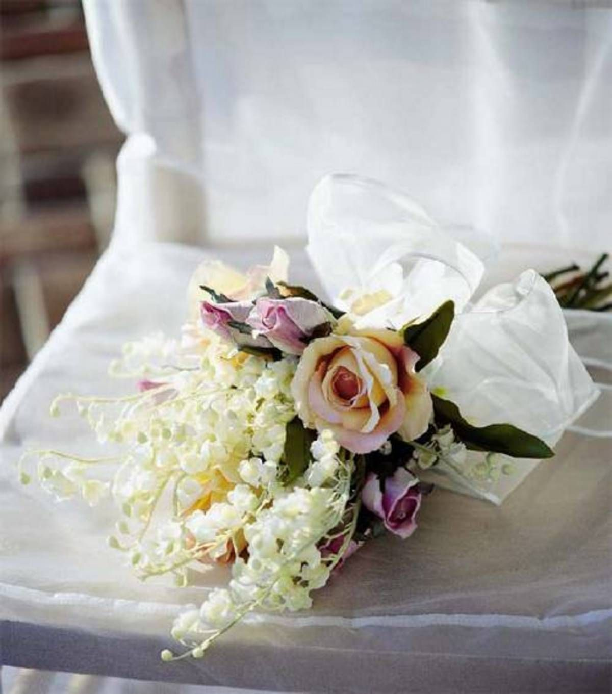 Making Your Own Wedding Flowers: Create Your Own Bridal Bouquet!