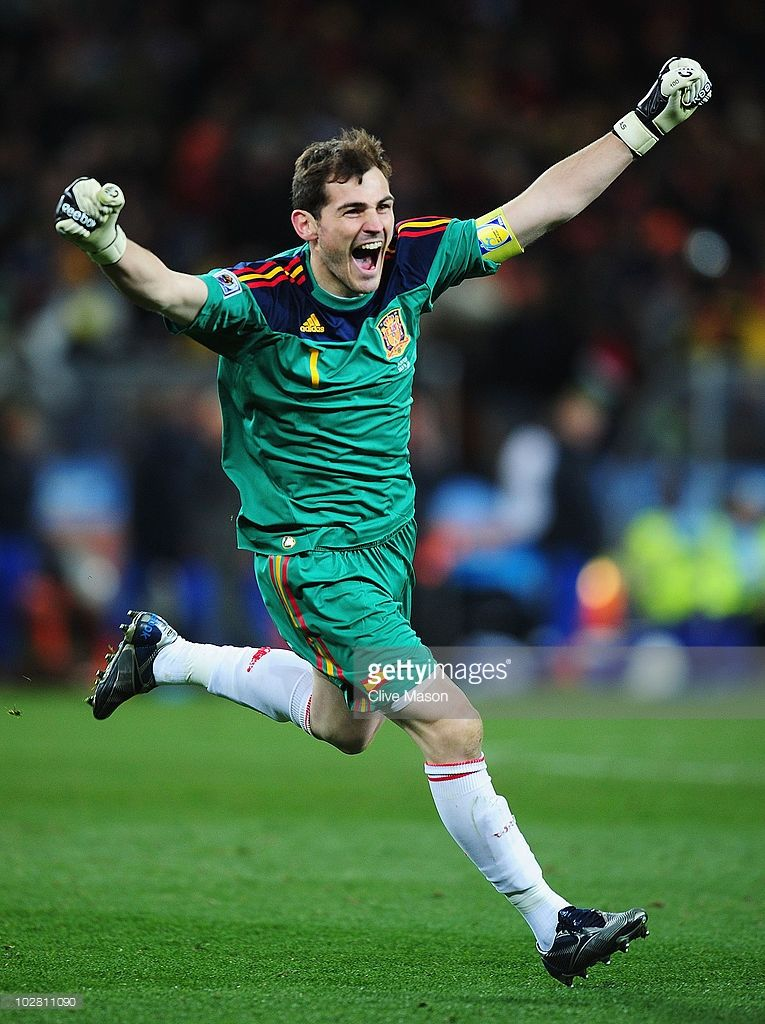 World Cup Iconic Moments Photos And Premium High Res Pictures Iker Casillas Spain Soccer Madrid Football