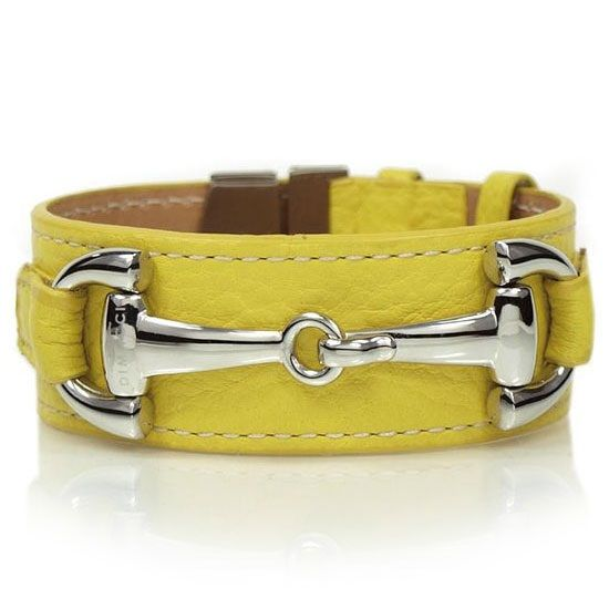 The Orsini collection of Dimacci consists of a series of leather bracelets with steel or steel-plated lockets. The bracelet is twisted around the wrist three times. Dimacci gets the inspiration for its designs, mostly from the equestrian. BoumanOnline.com
