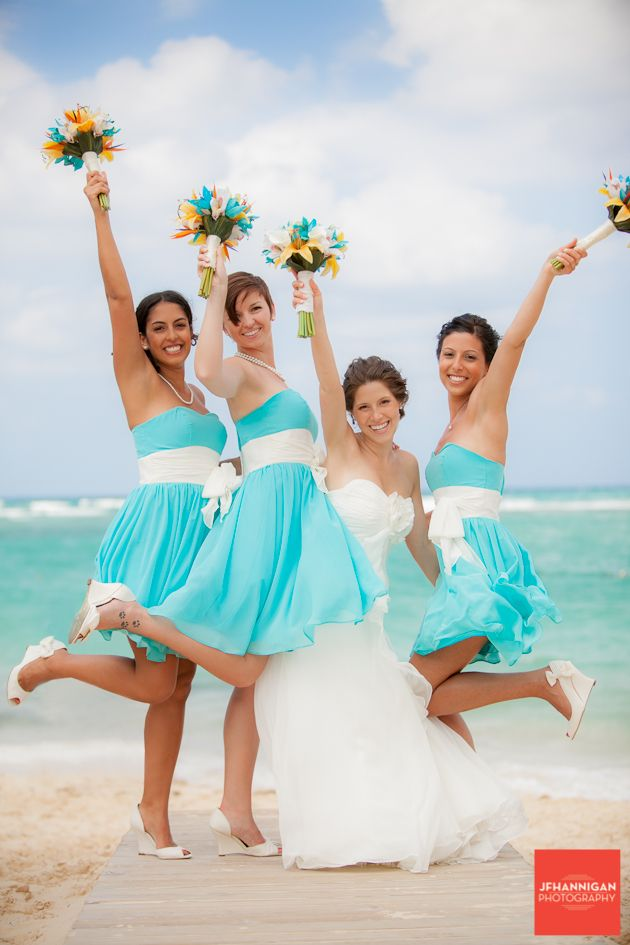 Short Tiffany Blue Bridesmaid Dresses With A White SashSweetheart Neckline And Shoes To Tie The Look Together Beach Wedding