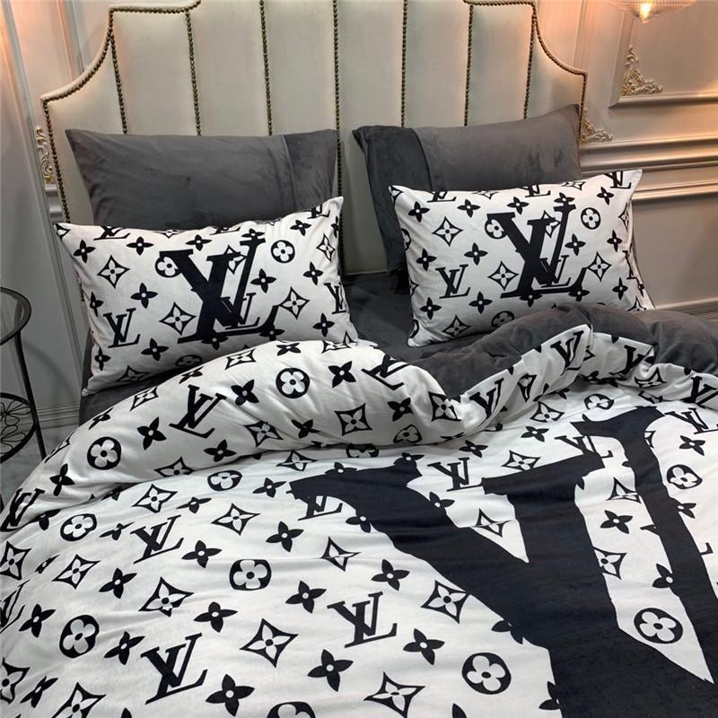 louis vuitton Supreme white pattern Fleece Blanket for