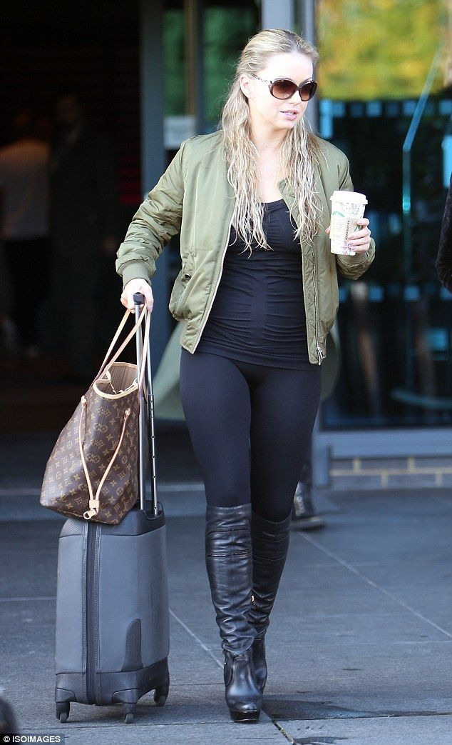 1a8781f1dd2ef4 Wash and go  Professional dancer Ola Jordan wore lycra from head to toe with  her…