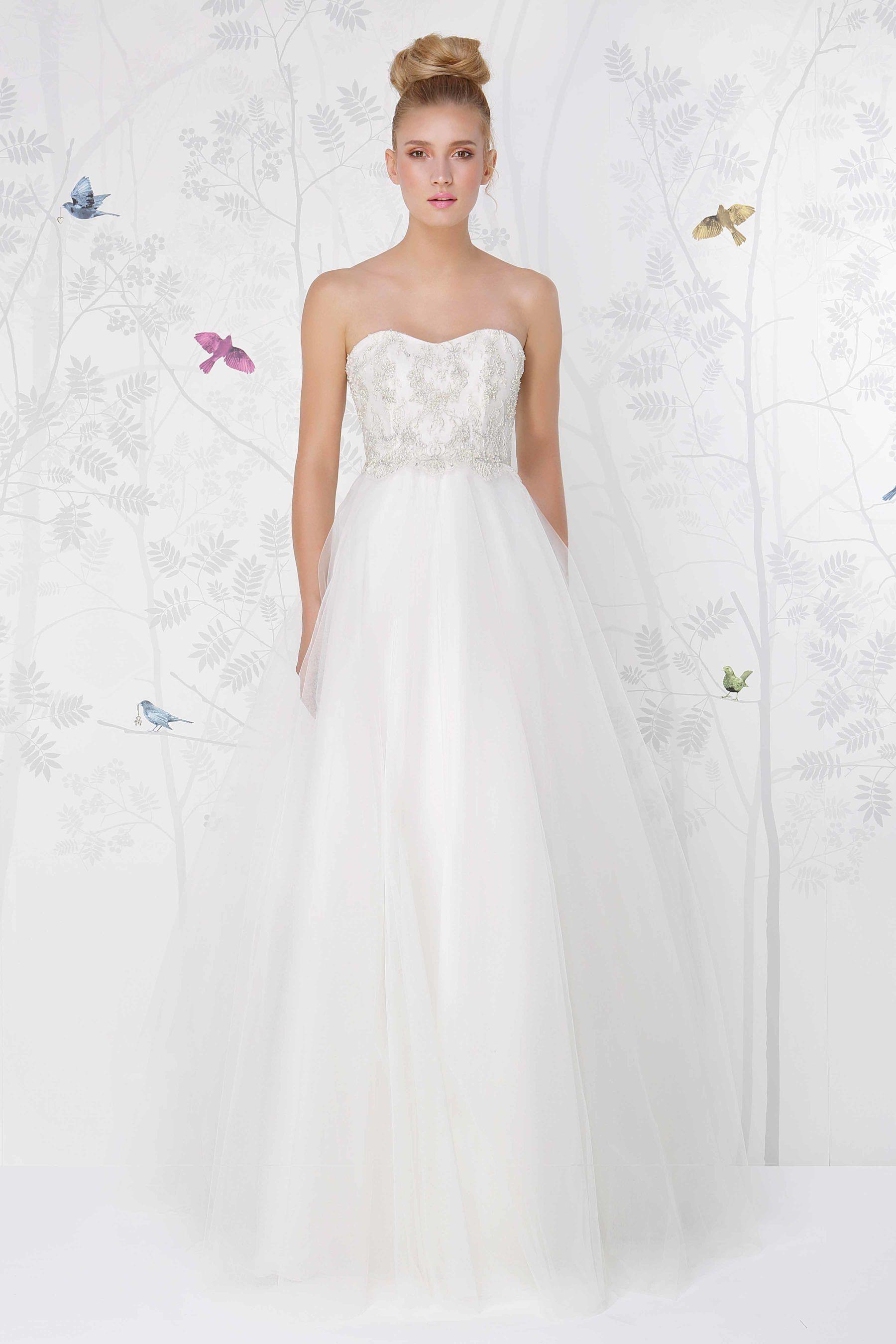 SADONI wedding dress LIANA with volumious tulle skirt and beaded sweetheart neckline
