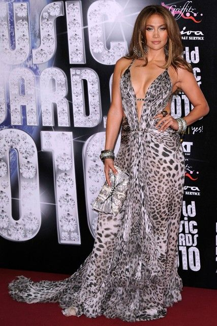 Jennifer Lopez - Everyone s wearing leopard print - dress 3f1409553