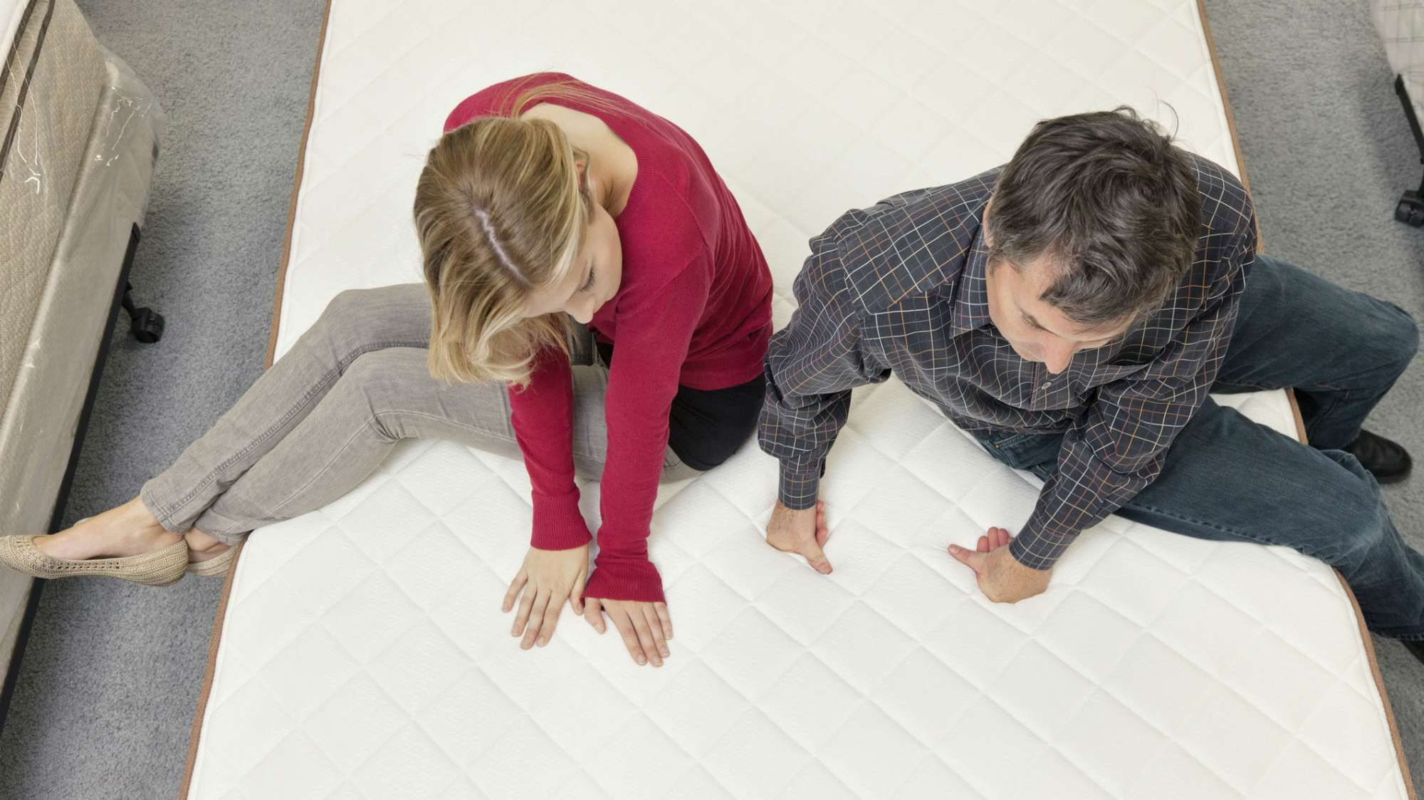 Full vs. Queen Mattress What's the Difference? Best
