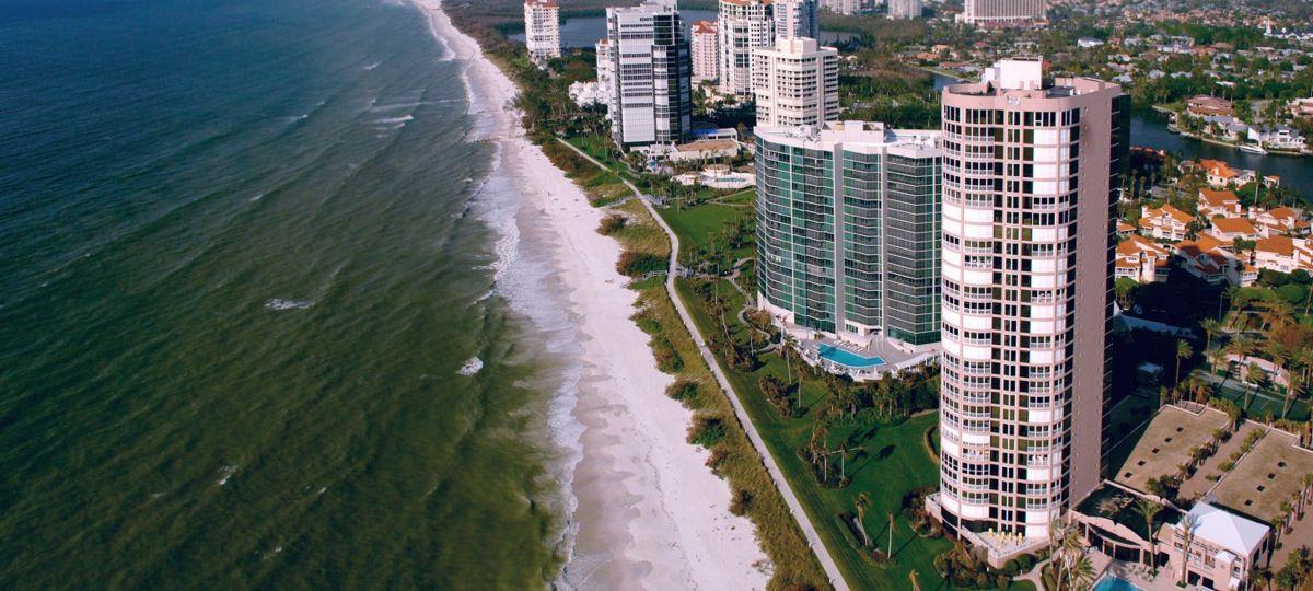 Treviso Bay Terrace Condominiums en #Naples #Florida #EstadosUnidos es un desarrollo que puedes contactar y promover con tus datos a través de Proxio México.  Campo de #Golf #CasaClub Cancha de #Tenis #Gimnasio #Mar #Muelle #Panorama #ProxioMéxico