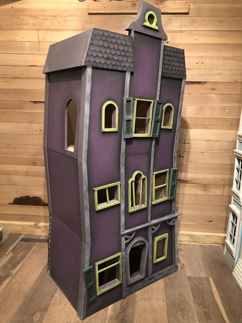 Haunted Mansion Kitty Skyscraper Etsy In 2020 Haunted Mansion Mansions Skyscraper