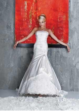 Love this dress.  Wedding Dress Style 8336