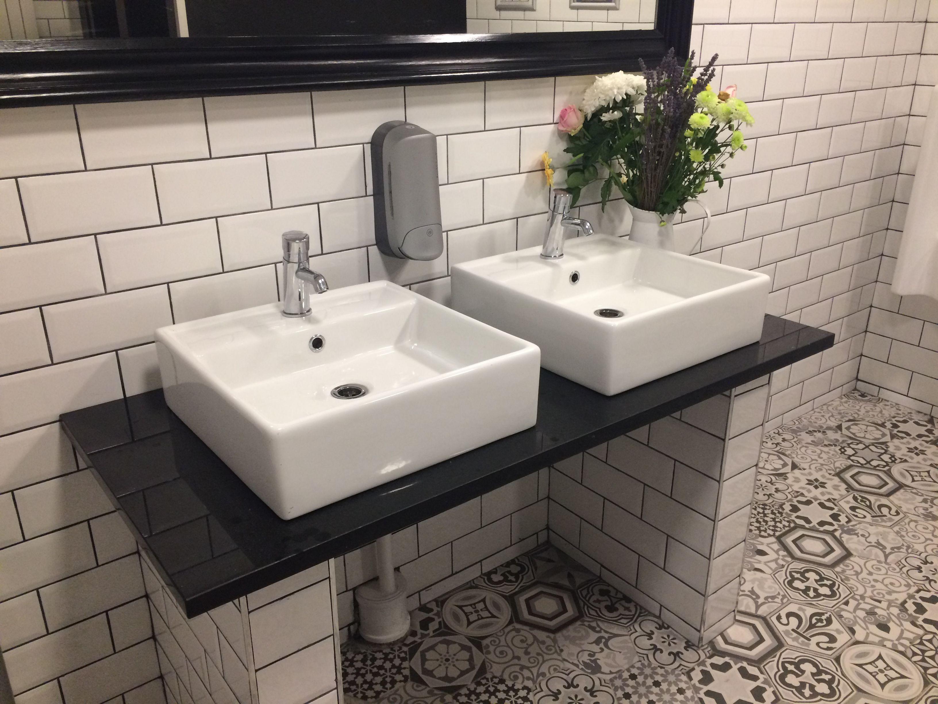 34 Luxury Ceramic Tiles Bathroom Ceramic Tile Bathrooms Tile Bathroom Simply Bathrooms