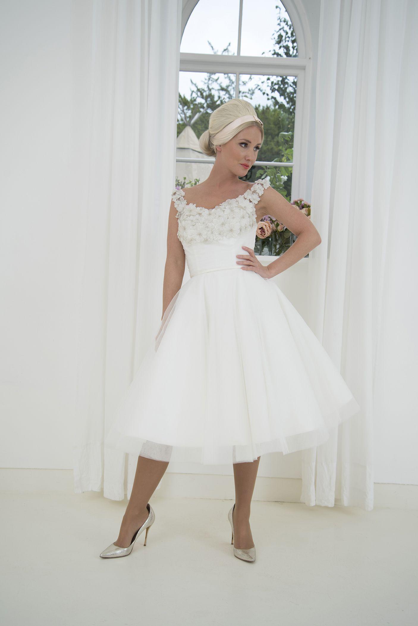 House Of Mooshki Original Mavis Short Wedding Dress Tea Length Wedding Dress Vintage Designer Wedding Dresses [ 2106 x 1406 Pixel ]