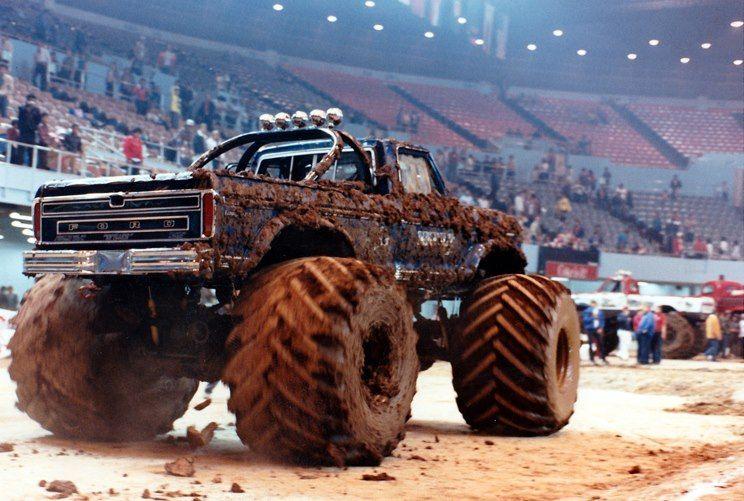 Pin By Hannah Marie On Me Monster Trucks Mud Trucks Trucks