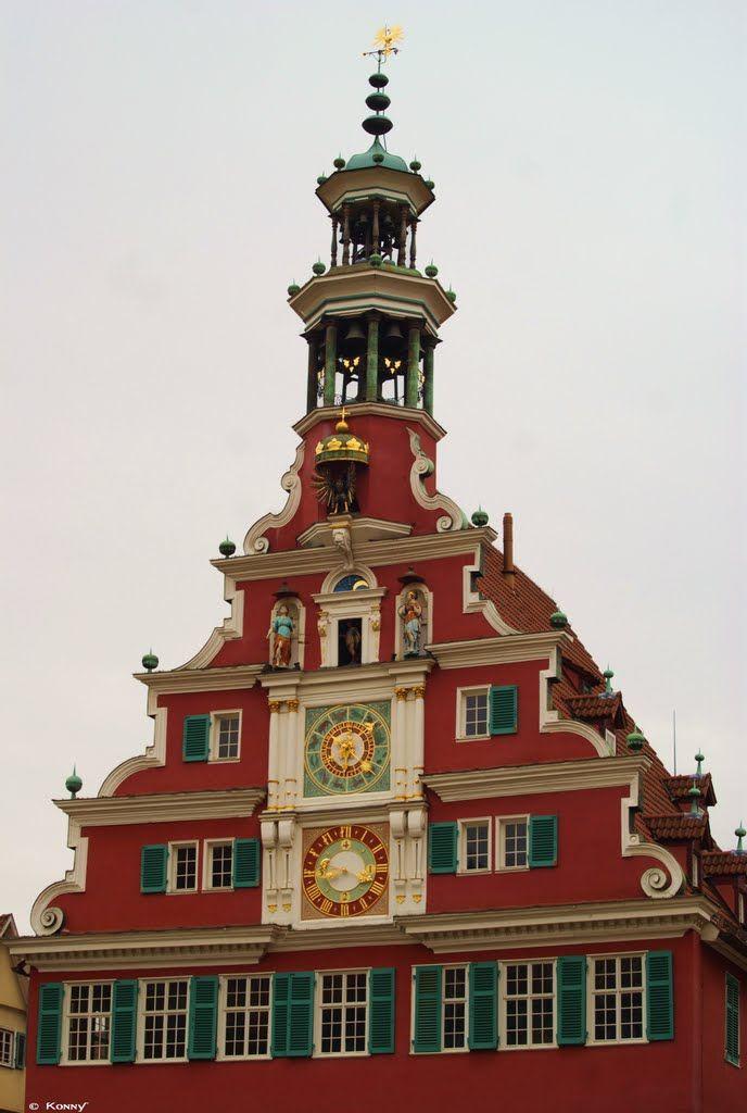 Das Glockenspiel Im Alten Rathaus Zu Esslingen Am Neckar 1 Altes Rathaus Esslingen Am Neckar Esslingen Am Neckar Rathaus Gebaude