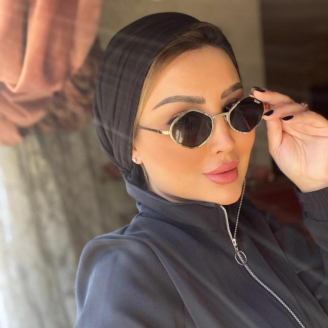 Pin By Luxyhijab On Hijabis Sunglasses المحجبات و النظارات الشمسية Sunglasses Round Sunglasses Fashion