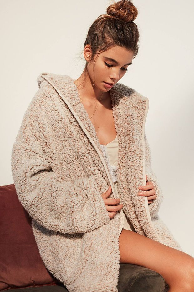 9bdb01d221da UO Shaila Oversized Fuzzy Jacket | Urban Outfitters | Want in 2019 ...