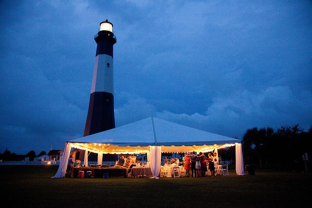 Real Wedding At Tybee Island Love This And That It Was The Lighthouse