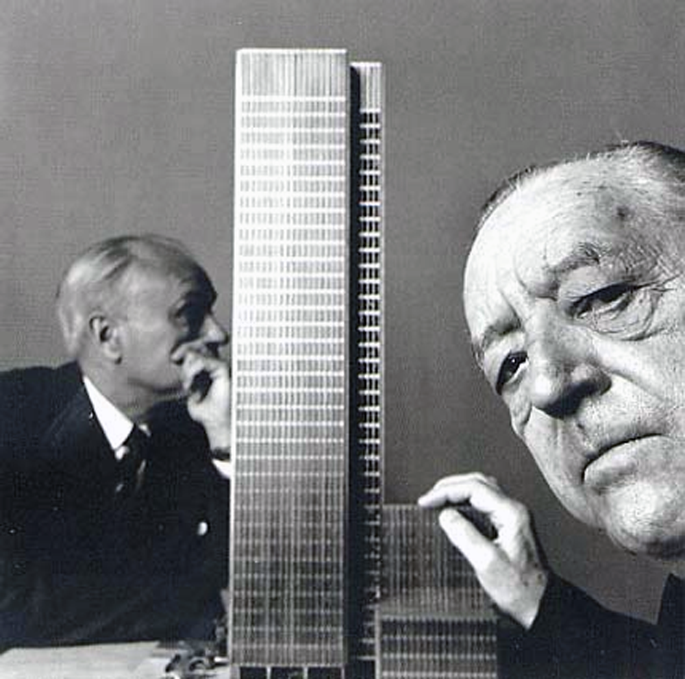 Villa tugendhat arkitalker mies van der rohe - Philip Johnson And Luvig Mies Van Der Rohe With The Seagram Building Model 1954