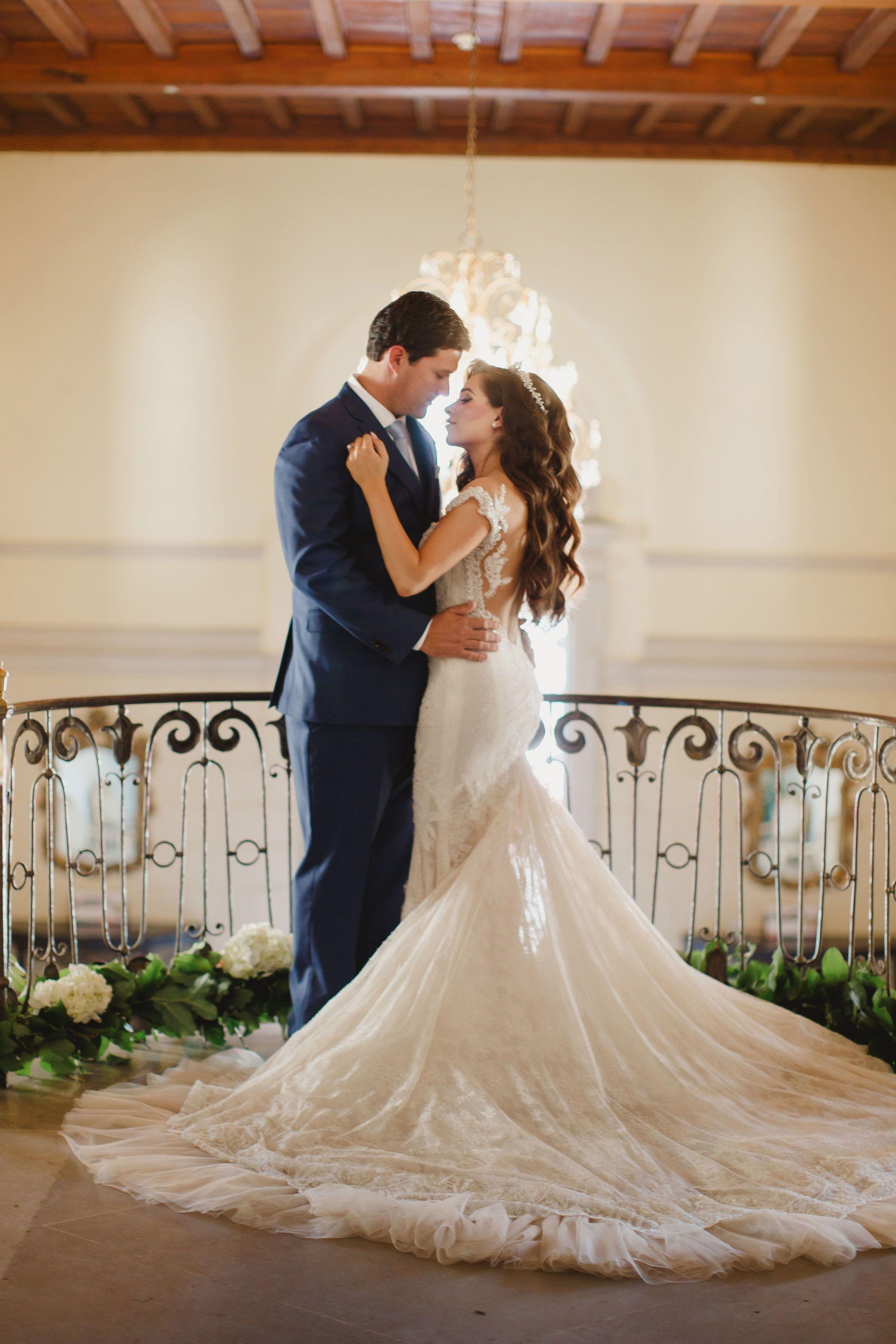 Luxury Fairytale Wedding At Oheka Castle In Long Island Ny Galia Lahav Blossom In 2020 Ballroom Wedding Dresses Whimsical Wedding Gown Vintage Inspired Wedding Gown