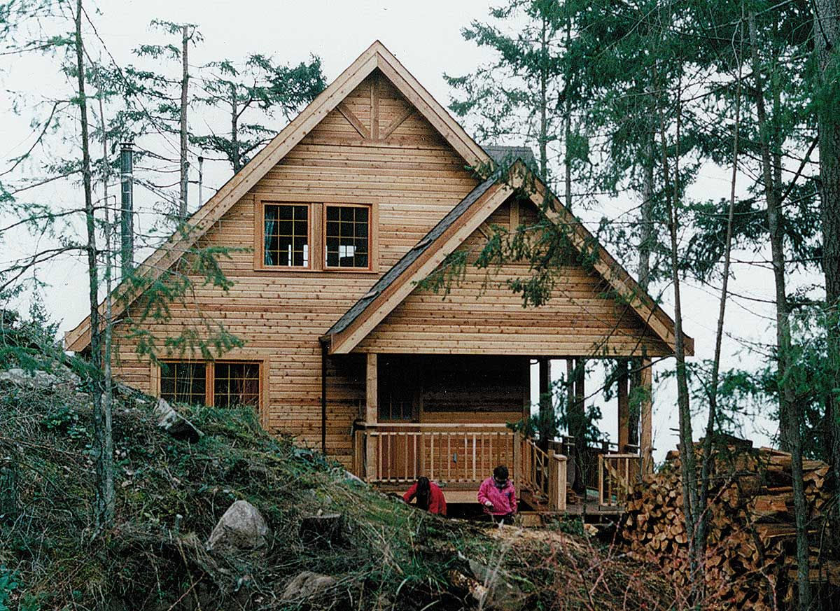 Plan 9805SW: Vacation Hideaway | Cottage house plans, Rustic lake houses,  Lake house plans