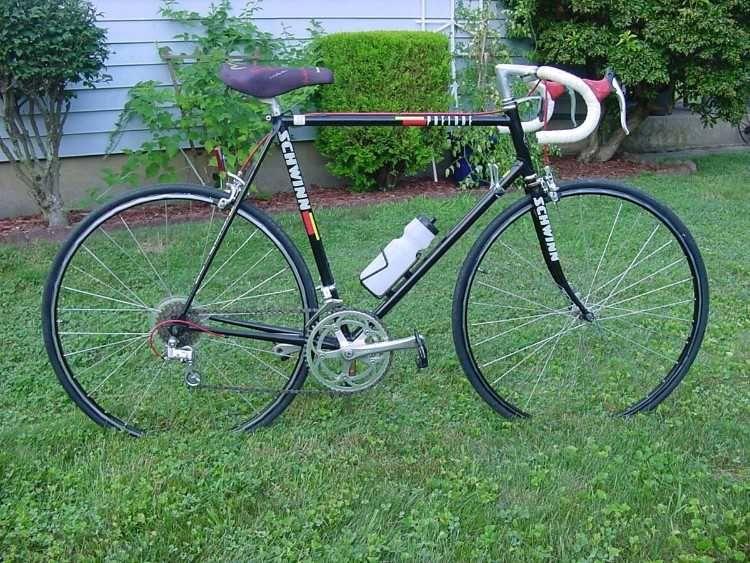 Schwinn Of Chicago Road Bike This Is A Vintage 1988 89 Higher End