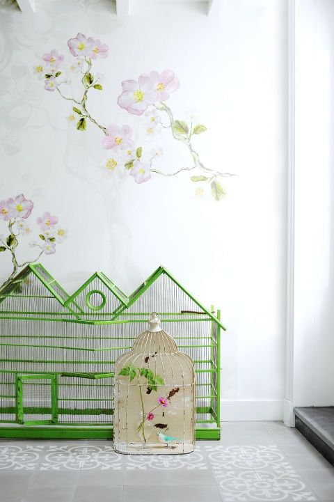 Love this #green #Spring arrangement with #birdcages | Keltainentalorannalla.blogspot.it