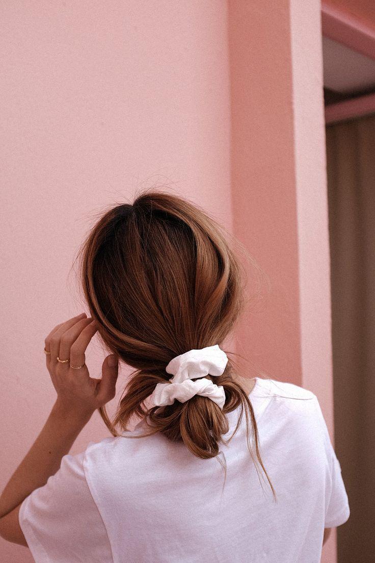 Die 3 Haar-Trends, die ich in dieser Saison trage: Haarspange, Stirnband, Haargummi #hairscrunchie