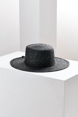 04b478b285dd52 Southern gothic vibes with this straw boater hat. | Things | Boater ...