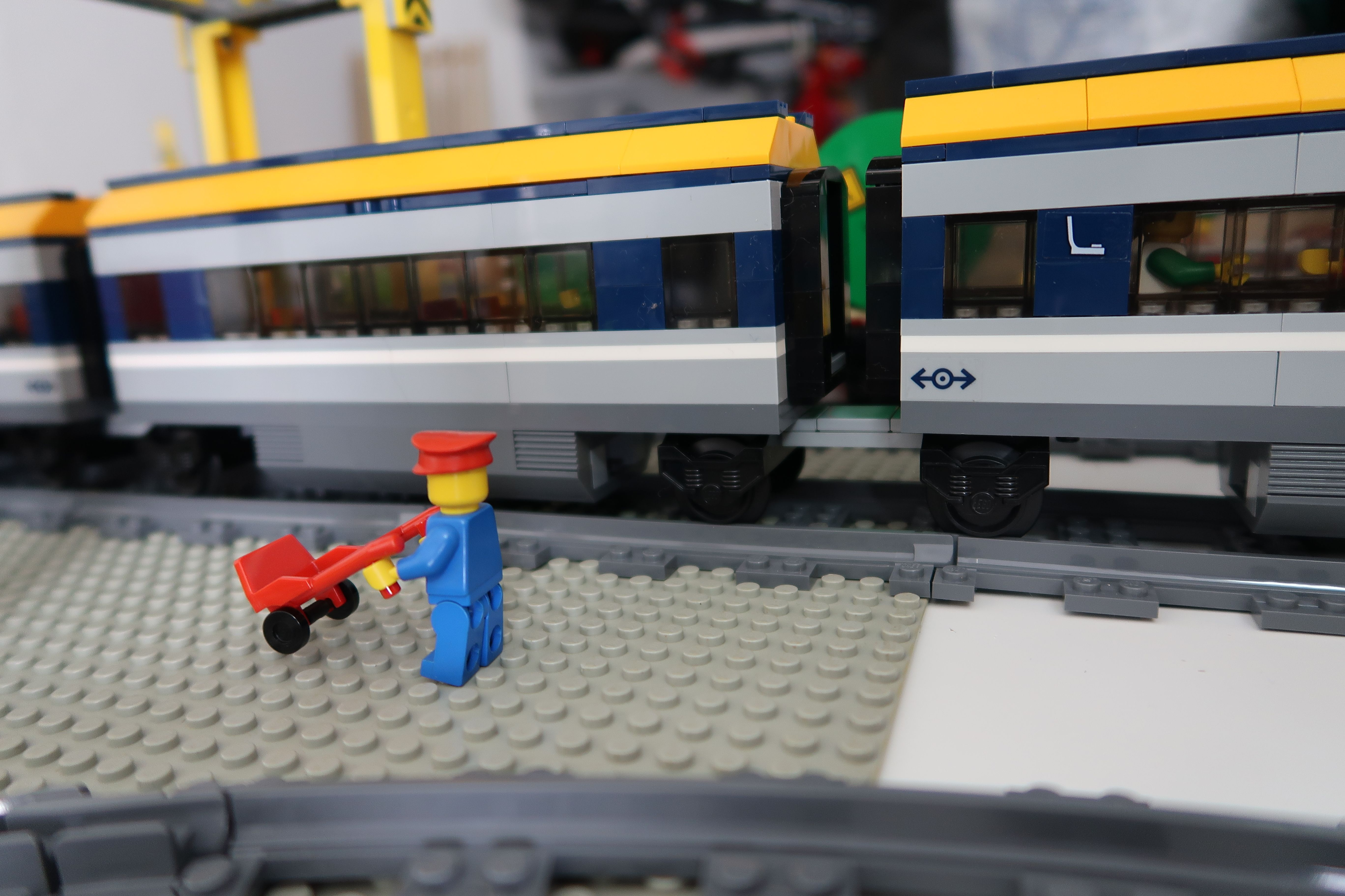 Lego City Passenger Train How To Modify With Jacobs Bogies 60197 A Tutorial Video To Modify This Lego Train To Be A B Lego City Train Lego City Lego Trains