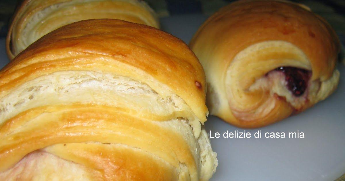 Buongiorno questa mattina vi offro la colazione fragrante e deliziosa..  Da quando ho visto questo impasto da Federica  sia nella vers...