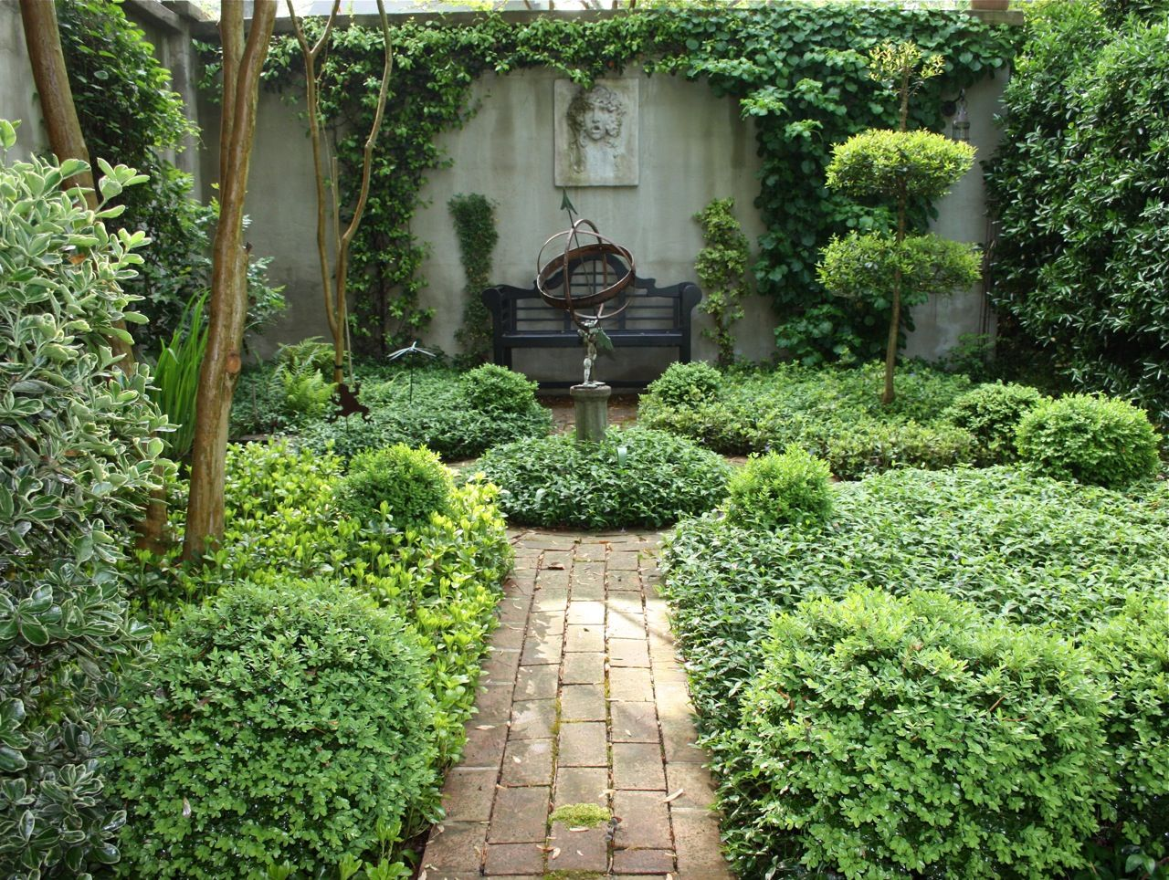 They did it their way charleston gardens gardens and for Courtyard landscaping ideas