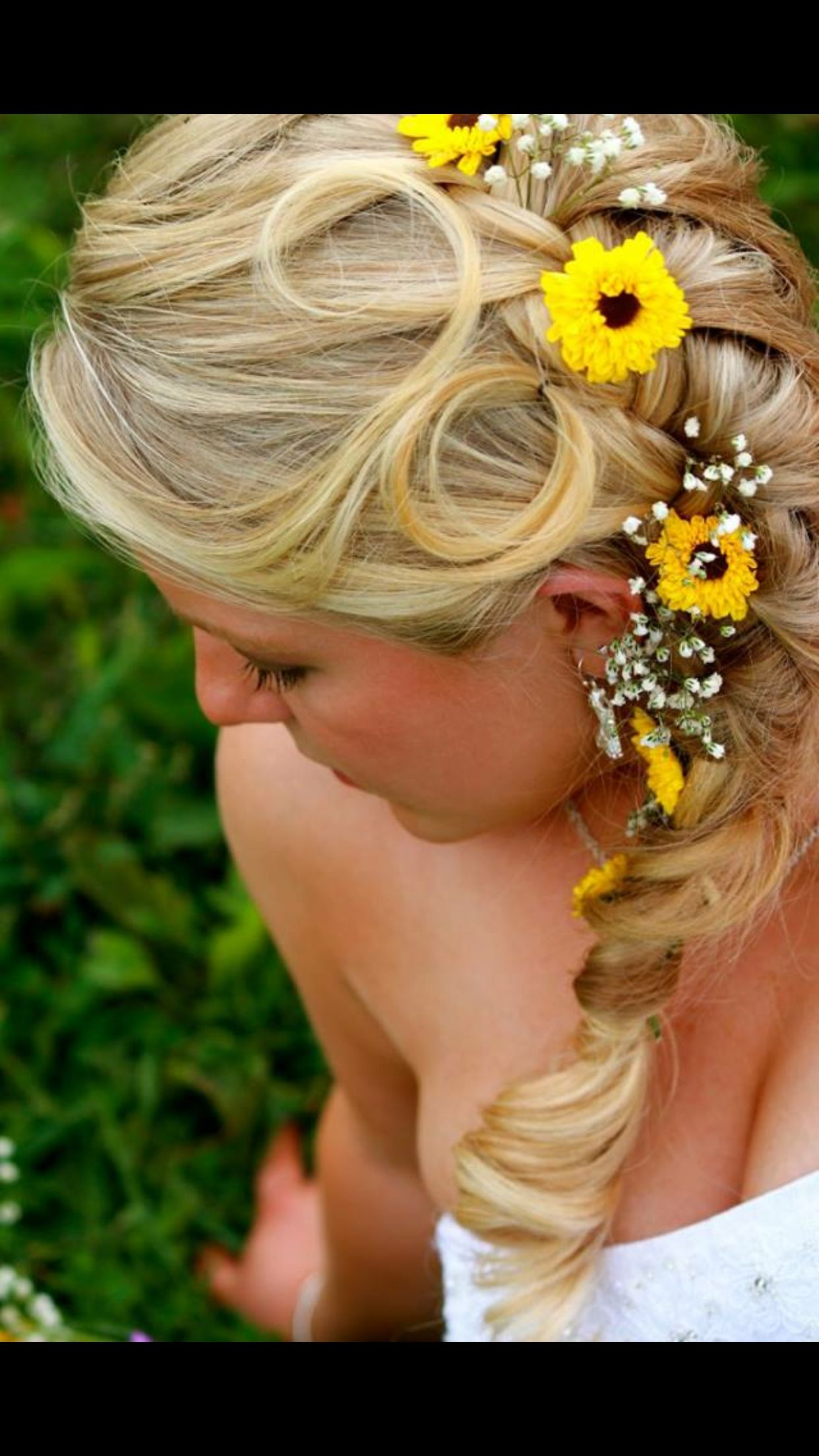 Fashion style Wedding Country hair for woman