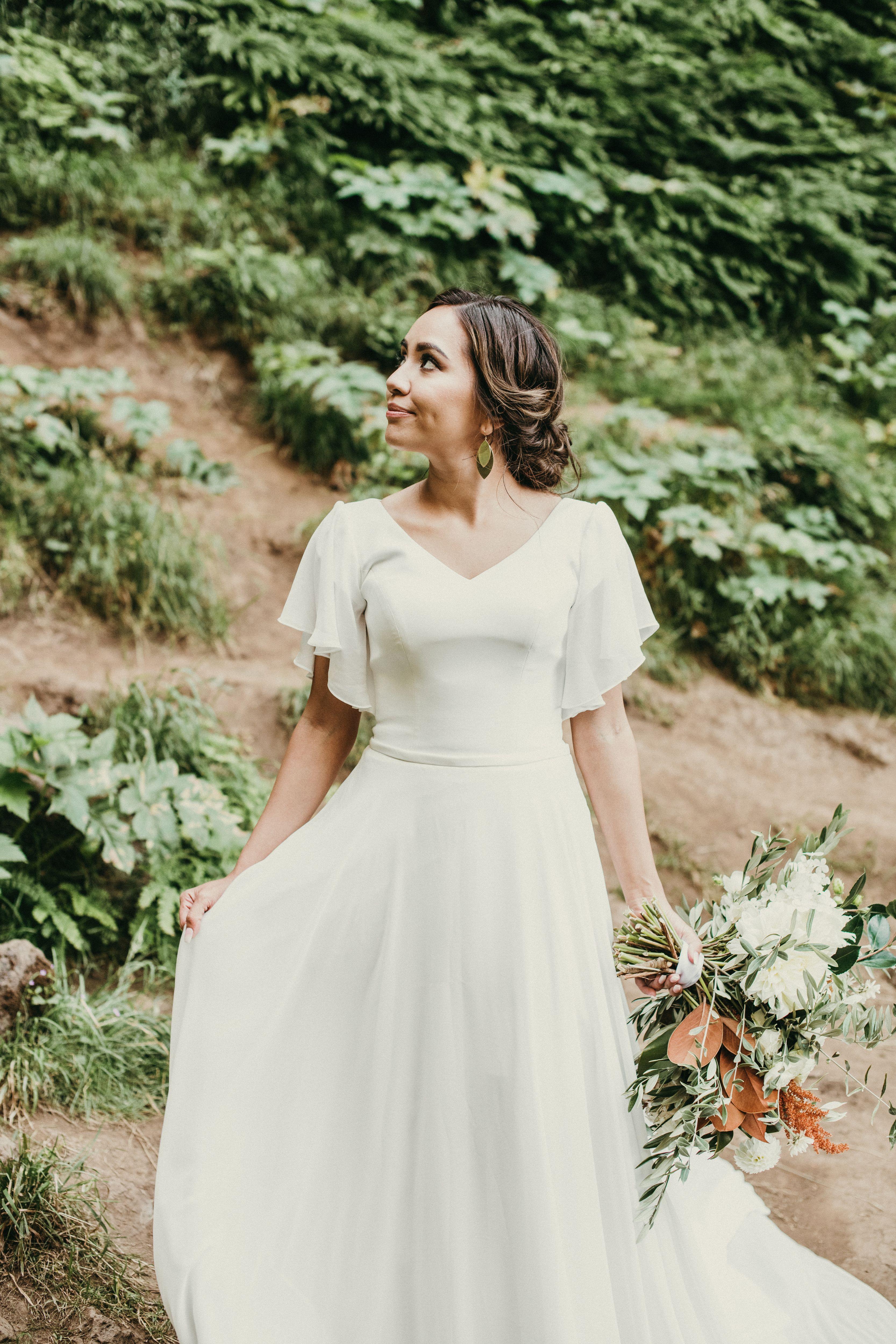 Brienne In 2021 Wedding Dresses Flowy Sleeves Modest Wedding Dresses Ball Gown Simple Wedding Dress With Sleeves [ 5000 x 3333 Pixel ]
