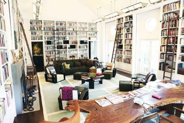 Diane Von Furstenberg's library in her Connecticut country estate. #GISSLER #interiordesign