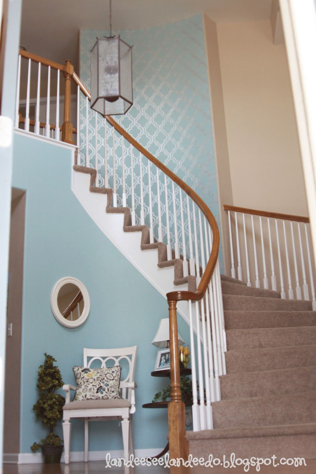 Best Stair Way Wall Painting Technique The Merchandising Isn T Quite My Style But I Love The Paint 400 x 300