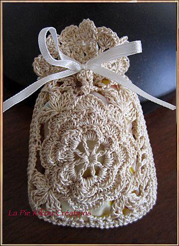 crochet sachet...   Crochet - Bomboniere   Pinterest   Häkelideen ...