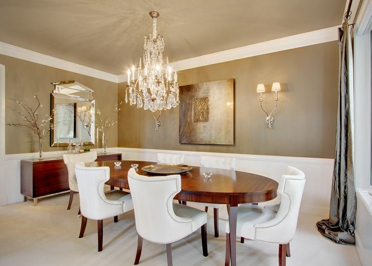 Modern Crystal Dining Room Chandeliers Combined With Wooden Oval Dining  Table | Decolover.net