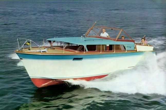 Chris-Craft Riviera/Express 31' - YachtForums.Com