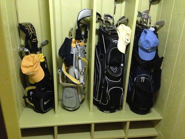 Golf Club Storage Buscar Con Google Golf Clubs