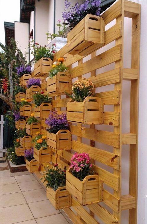 vertikaler garten selber machen als gartendeko idee | garten, Garten und Bauen