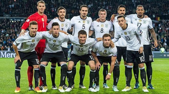 Covesia.com - Bermain dikandang, Tim nasional Jerman berhasil menjinakan perlawan Irlandia Utara dengan skor 2-0 dalam laga kualifikasi Piala Dunia 2018, zona...