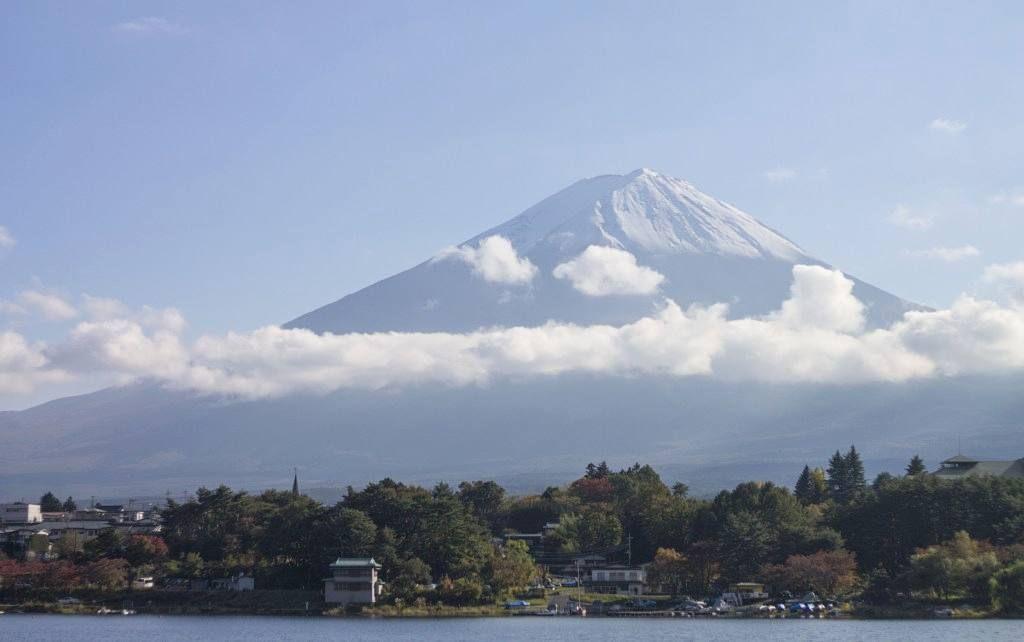 Mount Fuji from Lake Sai (Saiko). #Japan #saiko #roadtrip #fujifivelakes #mtfuji #familytrip #japantrip (by strolling_adventures)