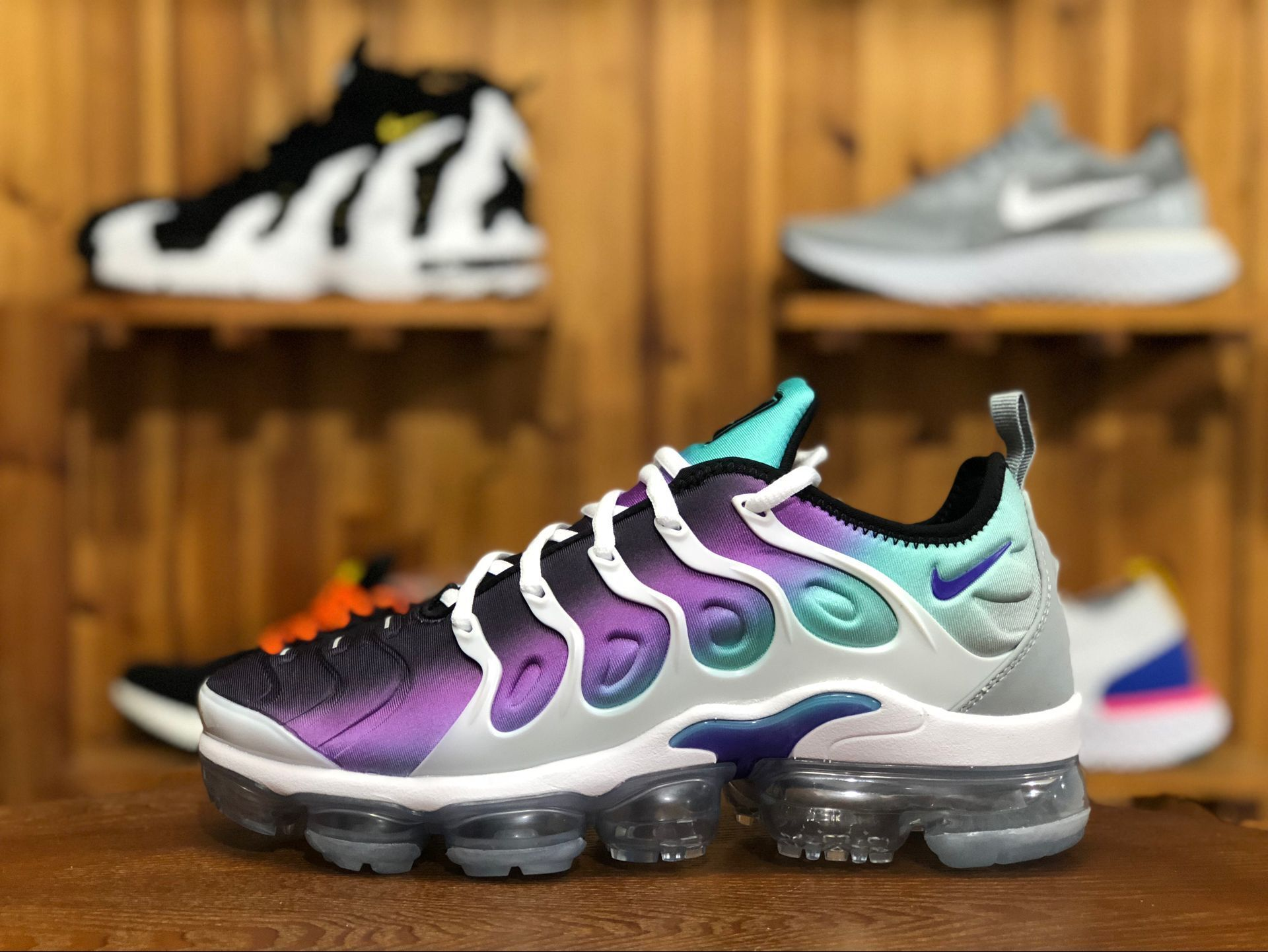 huge sale 8d8e8 43b2b Nike Air VaporMax Plus Grape Color  White Fierce Purple-Aurora Green-Black