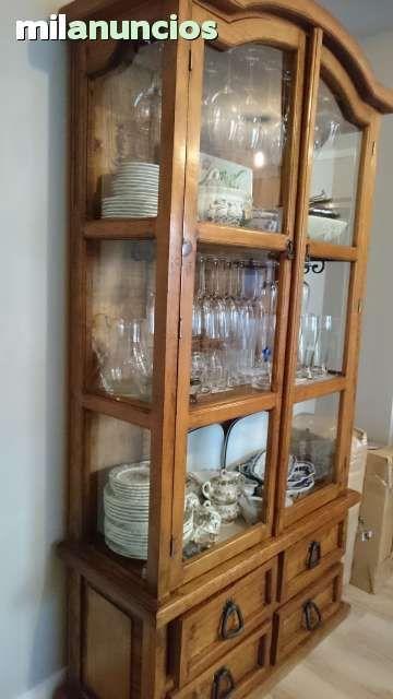 Vitrina de madera y puertas de cristal, de pino macizo encerado ...