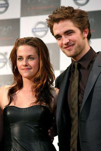 Twilight actors dating